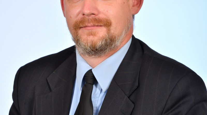 Roberts Lakučs