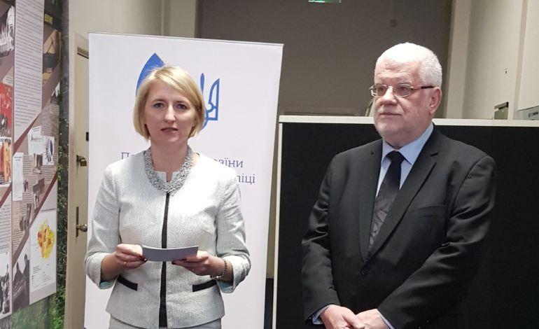 Alisa Podoļaka un Okupācijas muzeja direktors Gunārs Nāgels