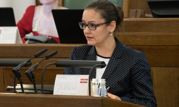 (VIDEO): Jauno konservatīvo frakcijas deputātes Lindas Ozolas runa Saeimas debatēs par ANO migrācijas deklarāciju