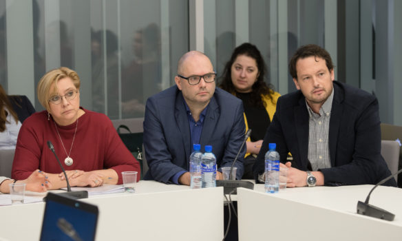 Jaunie konservatīvie uz frakcijas ārkārtas sēdi aicina NEPLP vadītāju Daci Ķezberi