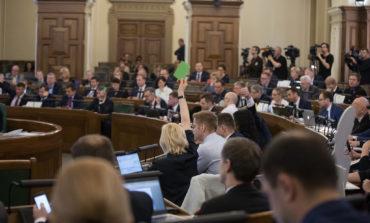 Saeimā ratificēts Jāņa Bordāna parakstītais līgums par sadarbību tiesībaizsardzībā ar ASV