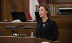Saeima apstiprina vecāku pabalsta izmaksas turpināšanu ārkārtējā situācijā